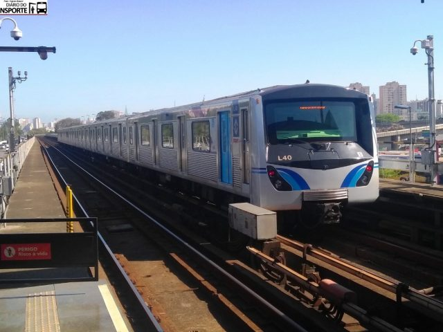 https://alugueseudrone.com.br/wp-content/uploads/2020/10/trem_metro_sp-640x480.jpg